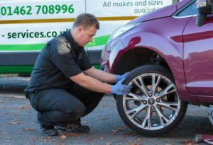replacing a tyre